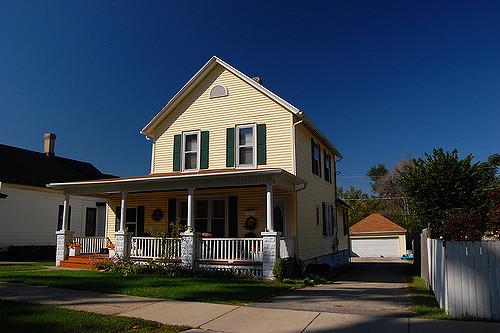 A kulcsrakész ház árak összege fix