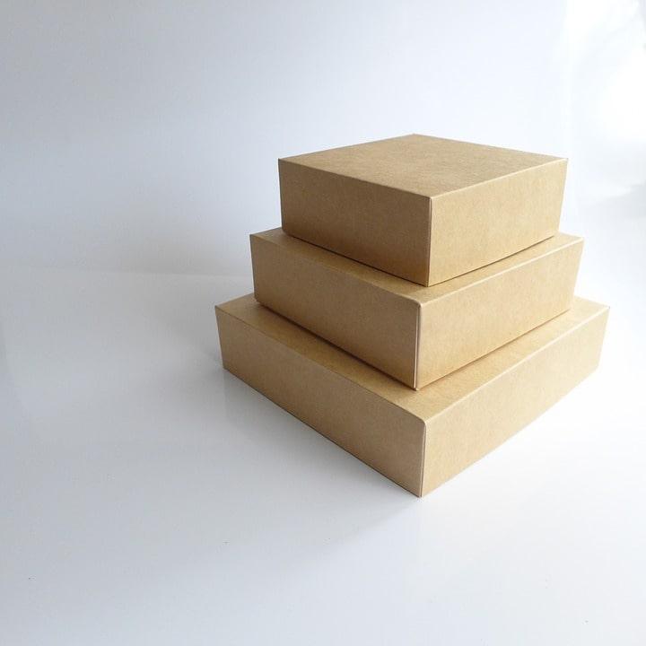 Praktikus csomagoláshoz ideális a posta doboz