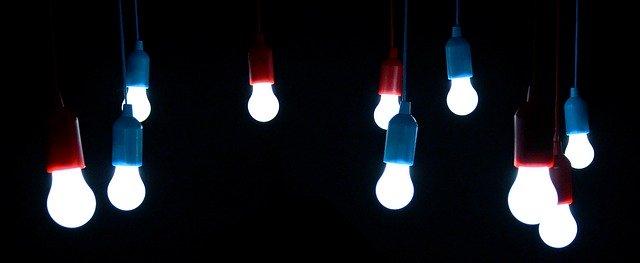 Egyszerűen elhelyezhető elemes LED lámpa
